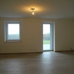 appartement A - séjour de plain pied avec la terrasse côté sud