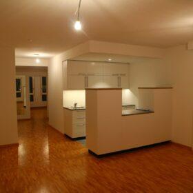 appartement 2 - vue de la cuisine depuis le séjour