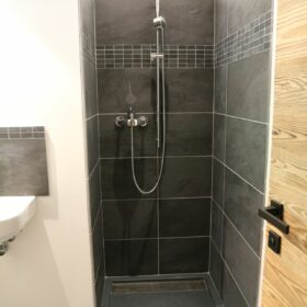 private bathroom ensuite