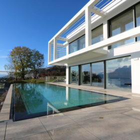 piscine depuis la terrasse sud