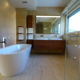 salle de bains - douche - WC de la chambre parents