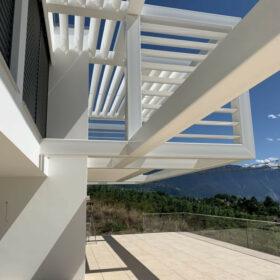 vue de la structure métallique (exosquelette) depuis la terrasse
