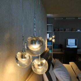 chambre parents - les luminaires de tête de lit